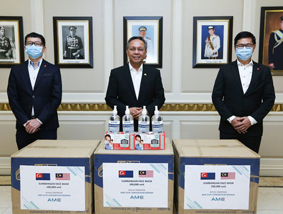 AME donates 100,000 face masks to Johor State Government for COVID-19 frontliners
